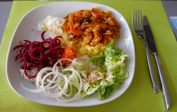 Miam! Un couscous végétalien!