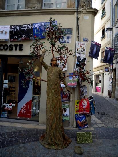 Équilibristes dans Avignon
